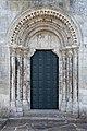 Portal da igrexa de San Pedro de Portomarín eue 2.jpg