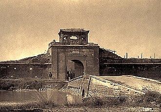 Hải Dương - Porte dela citadelle de Hai Duong 1885