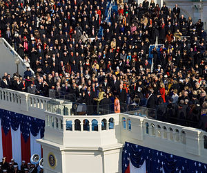 English: Barack Obama taking the oath of offic...