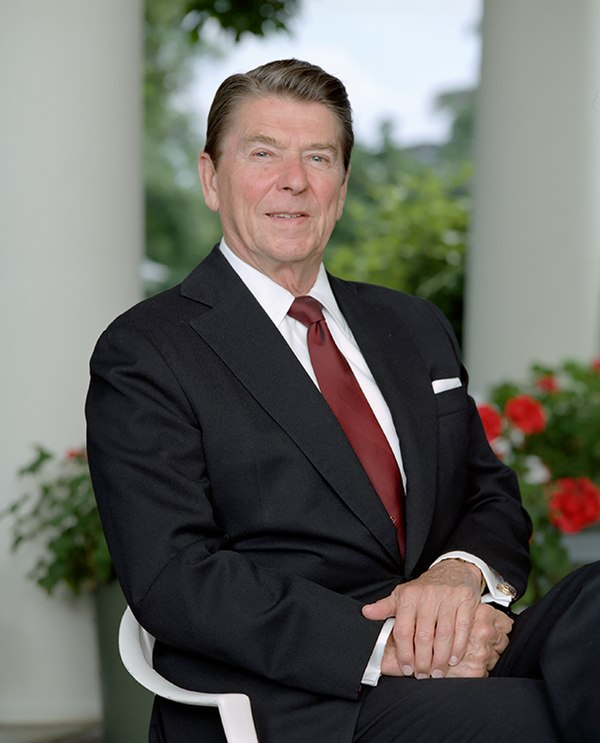 President Reagan posing outside the oval office 1983