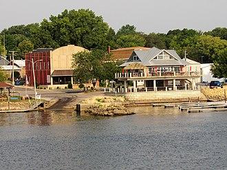 Princeton, Iowa - Image: Princeton, Iowa from the Mississippi River 01