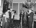 Prins Bernhard heeft op paleis Soestdijk de eerste slof lucifers gekocht- . Hij , Bestanddeelnr 919-0651.jpg
