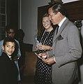 Prinses Beatrix en Prins Claus ontvangen 2 Surinaamse kinderen op Drakensteijn i, Bestanddeelnr 254-8561.jpg