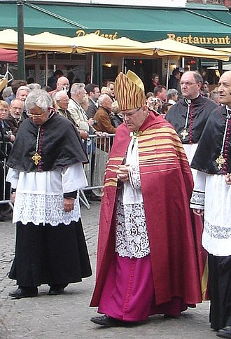 Cope - A modern cope, worn with a mitre by Rogier Joseph Vangheluwe, former Bishop of Bruges.