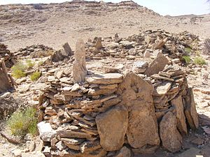 Somali architecture - Ancient cairns in Qa'ableh.