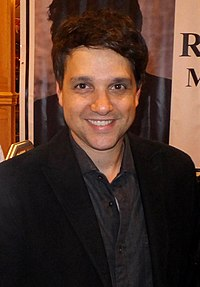 Ralph Macchio at the Chiller Theatre Expo in NJ, October 26, 2013 (01).jpg