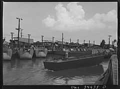 Ramp boats under construction 8d39886v.jpg