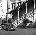 Rathaus az Óvárosban, balra a Szt. Péter és Pál székesegyház. DKW személygépkocsi. Fortepan 26491.jpg