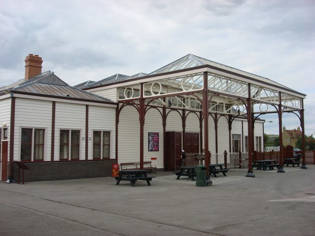 Re-located Rewley Road station building - geograph.org.uk - 1039065