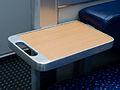 RegioJet, vagon, sklopný stoleček.jpg