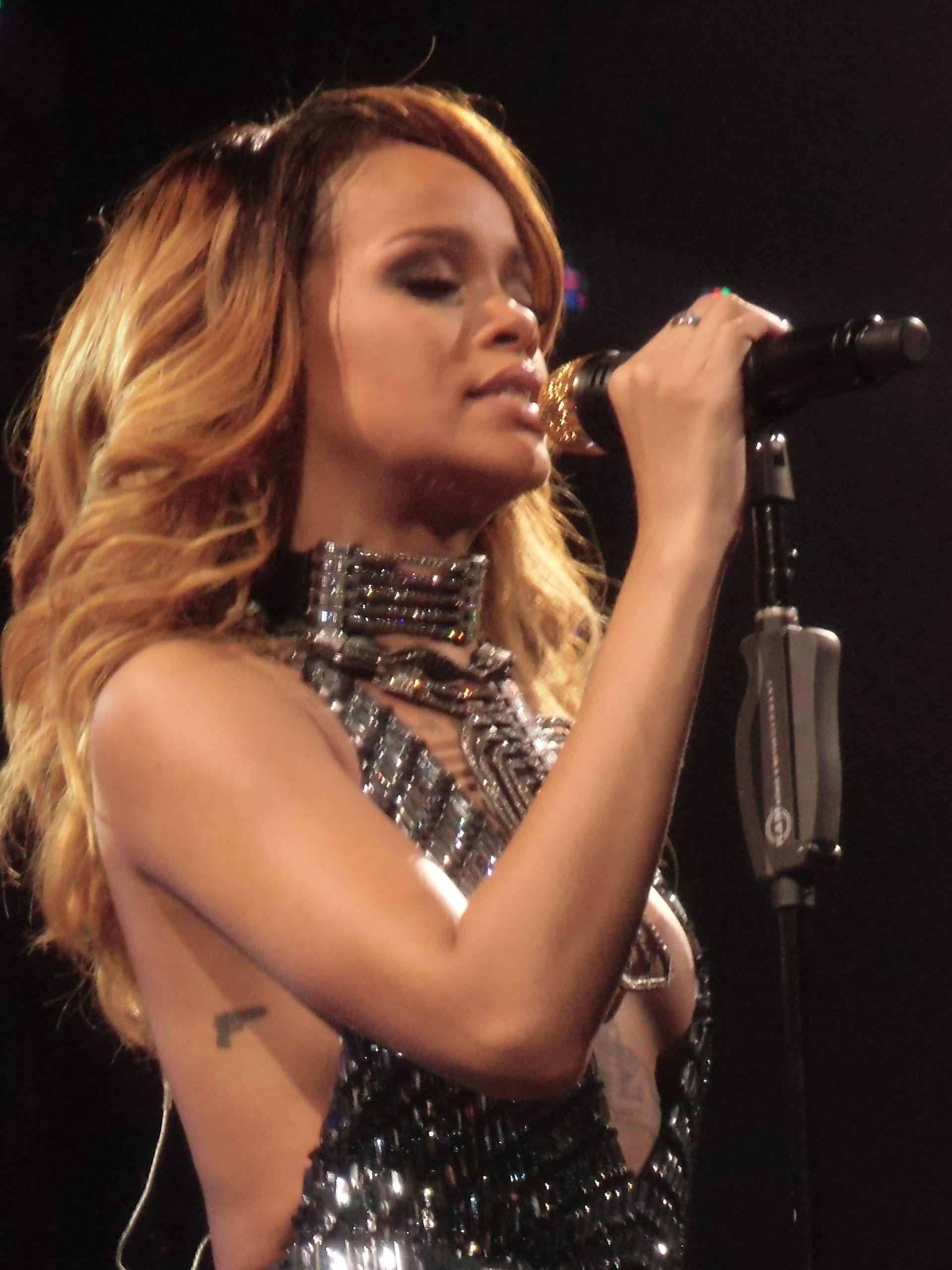 Rihanna 2013: Out in London-08 – GotCeleb |Rihanna 2013