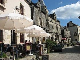 Place centrale de Rochefort-en-Terre.