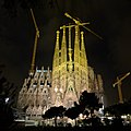 Sagrada Família at night.jpg