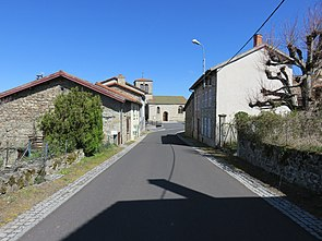 Saint-Just (63) - Rue du village (D251).jpg