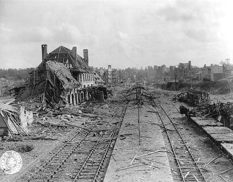 File:Saint-Lô Railway station destroyed.jpg