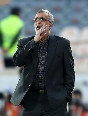 Hossein Faraki - Faraki coaches his team against Persepolis, during his spell as Sepahan manager, 17 March 2015