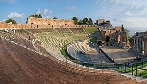 Ancient theatre of Taormina - Image: Sicilia Taormina 2 tango 7174