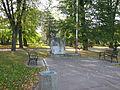 Skwer z kamieniem węgielnym osiedla Nasz Dom (Za Torem) w Tarnowie-Mościcach, ul. Obronców Lwowa (-) 1 pavw.JPG