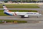 SmartWings, OK-TSQ, Boeing 737-8KN (37231038425).jpg