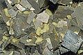 Soufre et pyrite (Santa-Eulalia, Mun. de Aquiles Serdán, Chihuahua - Mexico).jpg
