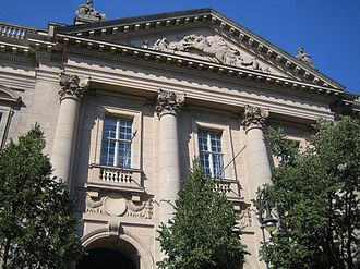 Berlin State Library - Façade of house 'Unter den Linden'