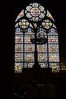 Stained glass window at Notre Dame de Paris 02.jpg