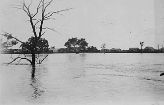 Bulloo River - Bulloo River in flood at Adavale, Queensland
