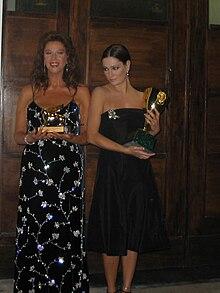 Stefania Sandrelli, accanto a Giovanna Mezzogiorno, riceve nel 2005 il Leone d'oro alla carriera nella 62ª Mostra internazionale d'arte cinematografica di Venezia.