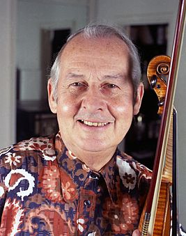 Stephane Grappelli 9 Allan Warren.jpg