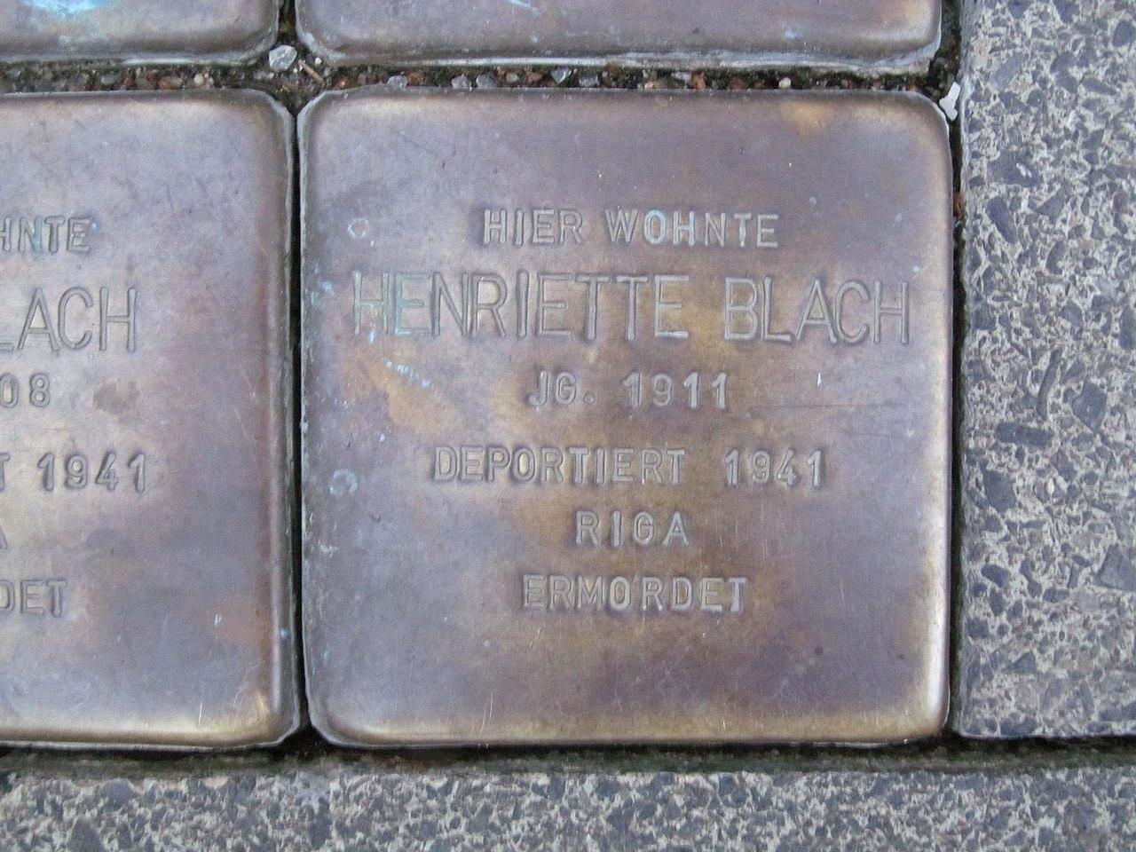 der Stolperstein für Henriette Blach