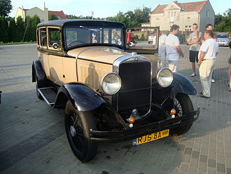 Studebaker Dictator - 1927 4-door sedan