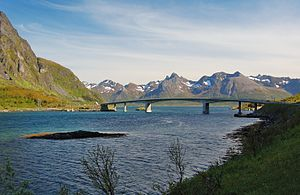 Gimsøya - Image: Sundklakkstraumen Bridge Lofoten 2009 2