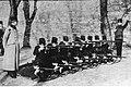 Szkolenie strzeleckie uczniów I Wyższej Szkoły Realnej we Lwowie (22-105-3).jpg