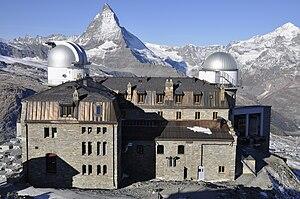 ペンニネアルプス山脈のゴルナーグラートにあるクルムホテル・ゴルナーグラート