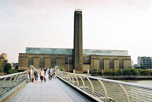 Tate Modern - exteriér I. (3. 10. 2004)