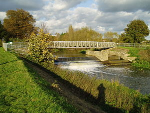 River Bain - The weir and gauging station at Tattershall