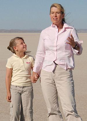 Terri Irwin - Terri with her daughter Bindi in September 2007