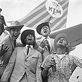 Terug uit Nieuw-Guinea, rechtsboven Harry Mooten , Blue Diamonds , Willy Vervoor, Bestanddeelnr 914-3348.jpg