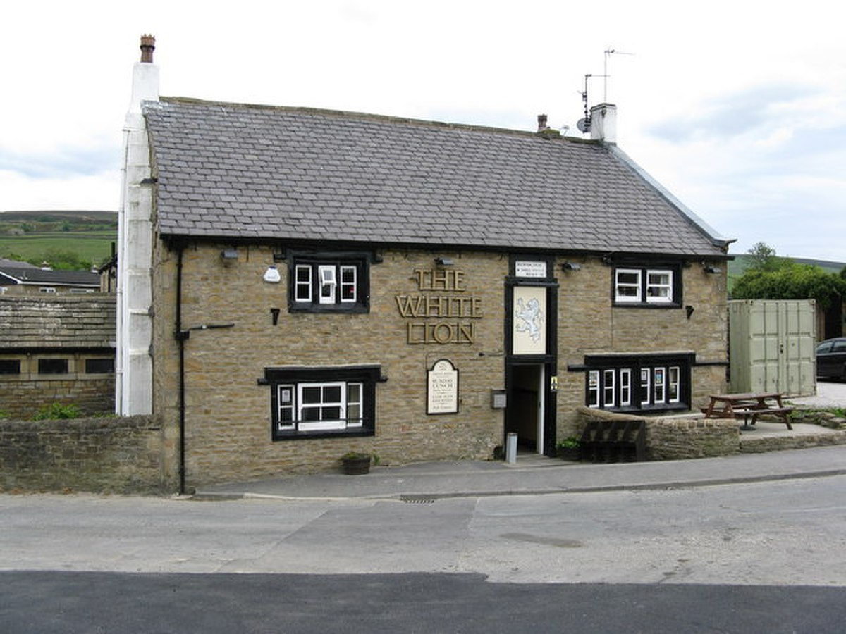 The 'White Lion', Earby - geograph.org.uk - 841338.jpg