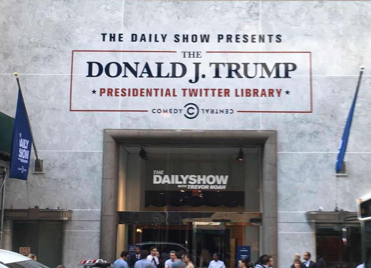 The Donald J. Trump Presidential Twitter Library (35201509671) (cropped1).jpg
