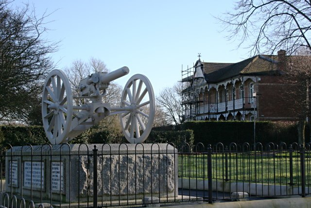The Doris Gun in Devonport Park - geograph.org.uk - 670888