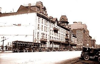 Queen's Hotel, Toronto - Image: The Queen's Hotel in Toronto