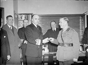 Edward Bruce, 10th Earl of Elgin - Lord Elgin, the Lord Lieutenant of the County, presenting the golden key to the Commander in Chief, Vice Admiral Sir Charles Gordon Ramsey, KCB after the opening of the British Sailors Society Hostel, Rosyth, Fife.