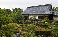 Toji-in Temple Japanese garden140512NI2.JPG