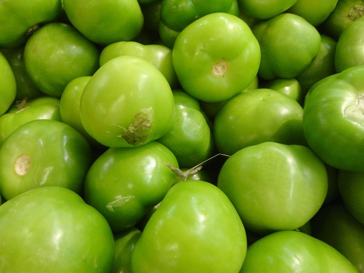 File:Tomatillo, miltomate, tomate verde, tomate de ...