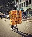 Transporteur de carburant sur bicyclette à Maroua.jpg
