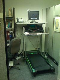 Treadmill desk - Wikipedia