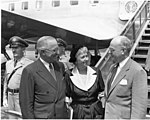 Trumans Leave for 1952 Democratic National Convention 73-3910.jpg