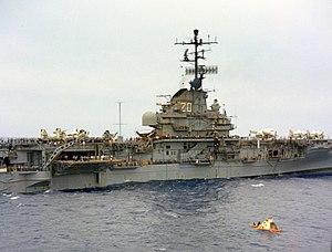 USS Bennington (CVS-20) with Apollo 4 1967.jpg