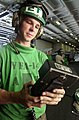 US Navy 030909-N-2143T-005 Aviation Electronics Technician 3rd Class Jason Manning.jpg